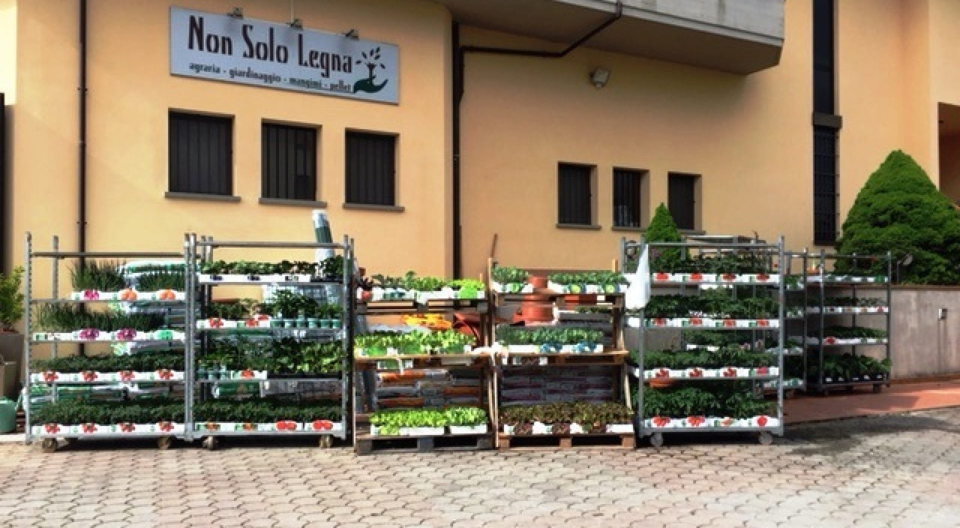 Agraria, mangimi, giardinaggio, pellet